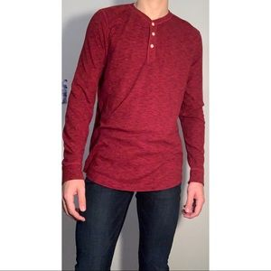 AEO Large Tall Thermal Long Sleeve Red 3 Button